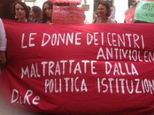via della Stamperia - La protesta dei centri antiviolenza